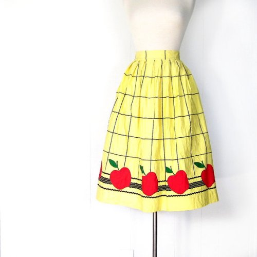 apple skirt