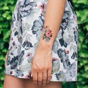 tattly_rifle_paper_co_rosa_web_applied_03_e068b6e5-fde5-49d1-9d77-2e43c2f3aa82_grande